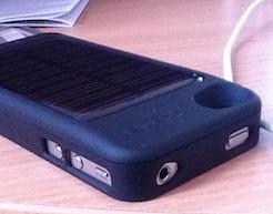 ports [Test] Power Pack pour iPhone 4   La coque baterie solaire