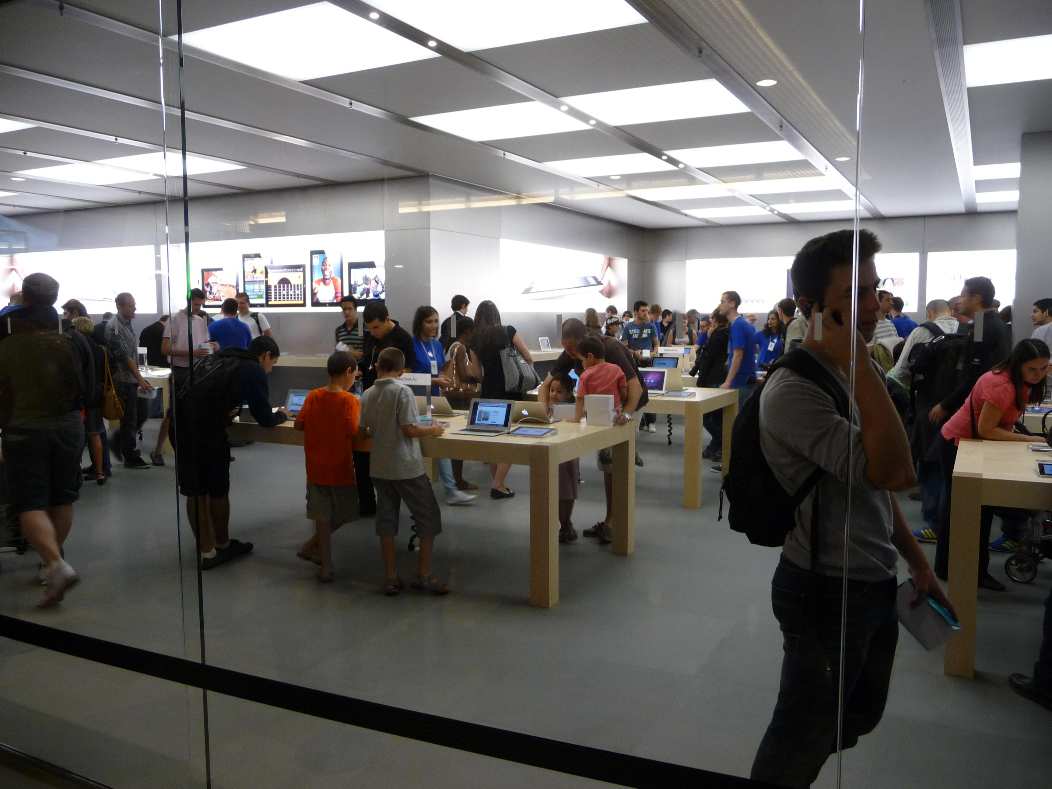 P1040956 Ouverture Apple Store Lyon Part Dieu : vivez lévénement comme si vous y étiez !