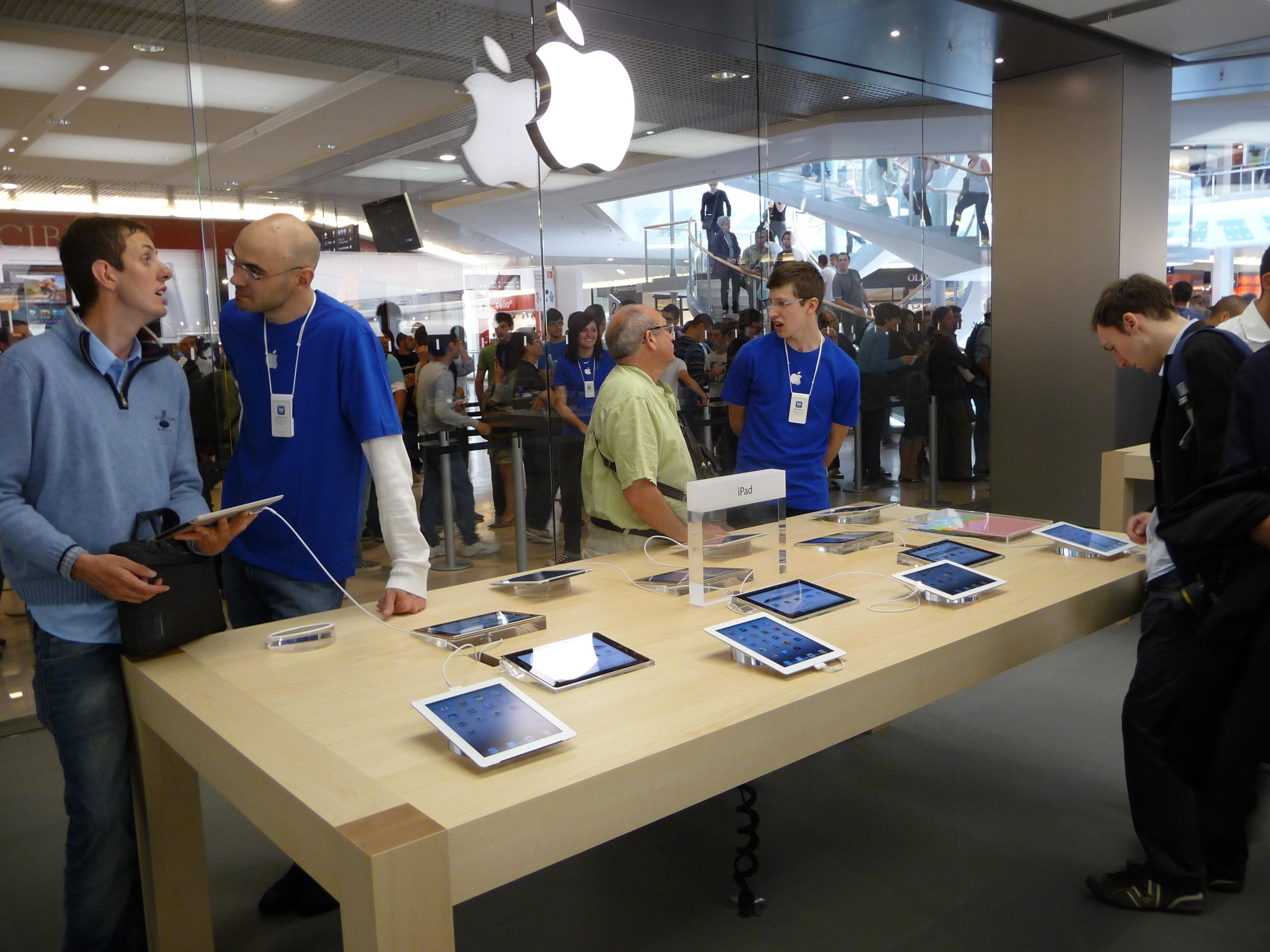P1050013 Ouverture Apple Store Lyon Part Dieu : vivez lévénement comme si vous y étiez !