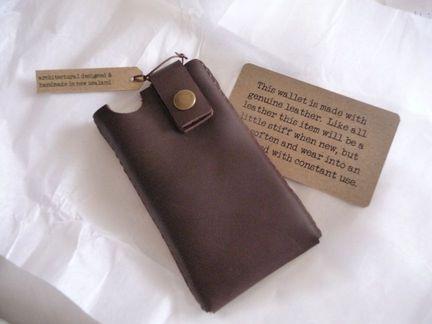P1050063 [Test] MinorDetails vous propose une housse raffinée en cuir pour votre iPhone 4 (25€)