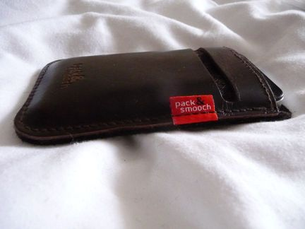 P1050080 [Concours] Gagnez deux housses Pack&Smooch pour votre iPhone ou votre iPod Touch (19€ et 39€)