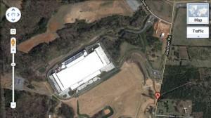 appledatacentergoogleearth 300x168 Le nouveau data center dApple visible depuis Google Earth
