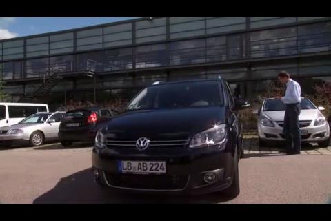 Valeo Park4U Automatic Parking System 02 e1316019223195 [Insolite] Garer sa voiture avec son iPhone sera bientôt possible
