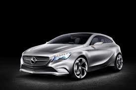 iphone mercedes 1 LiPhone sintégrera dans les Mercedes dès 2012