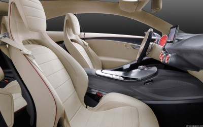 iphone mercedes 3 e1316282541392 LiPhone sintégrera dans les Mercedes dès 2012