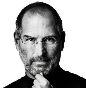 Article derniers hommages Steve Jobs une2 294x300 George Clooney incarnera iPapy au ciné ?