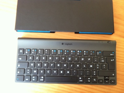 TestClavierLogitech006 Test de la Tablet Keyboard for iPad de Logitech   Un clavier/support pour taper plus rapidement sur iPad ! (59,99€)