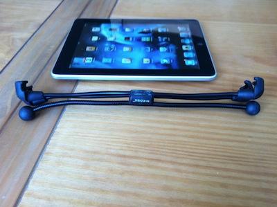 TestFlexStand017 Test du FlexStand pour iPad 1 et 2   Un support flexible qui fait tenir votre iPad dans tous les sens !