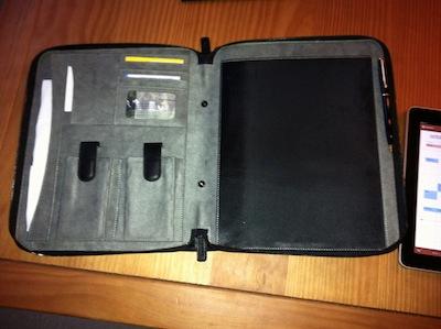 TestMEedgeUMportfolio 005 Test de M Edge Universal Modulor Method Portfolio   Une pochette multi fonctions pour iPad (71€)