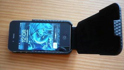 CcrsCaseCroxFlipCase010 Concours : une Coque CaseCrown Flip Carbon pour iPhone 4/4S à gagner (12€)