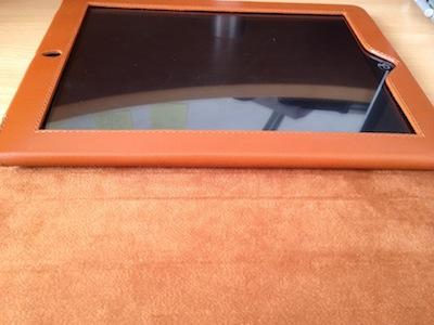 Photo 26 11 11 12 44 03 Kolossa   Une coque SmartCover de luxe en cuir véritable pour iPad 2 (98€)