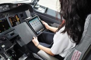 art1 300x199 iPad : support électronique des pilotes