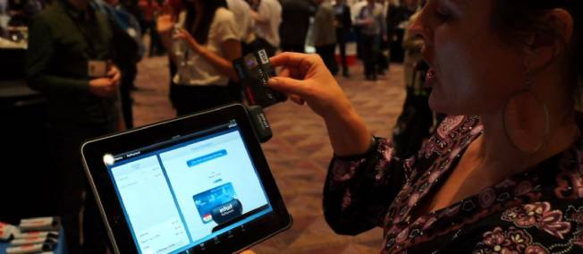 Intuit Accessoires iPhone : La revue du CES 2012 de ce vendredi par App4phone