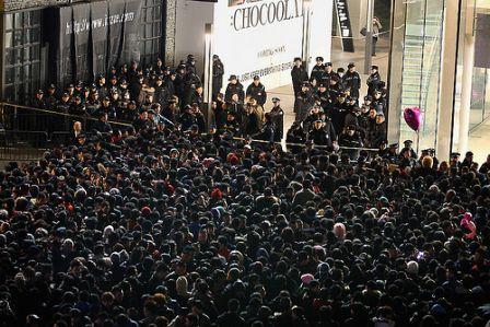 lancement iphone4 chine2 LiPhone 4S provoque des émeutes en Chine