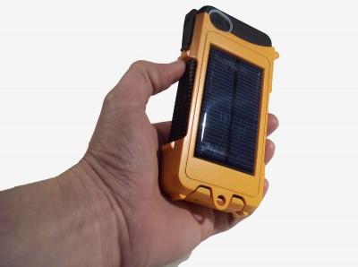 Aqua tek 2 e1329761819611 Aqua Tek: la protection iPhone pour les baroudeurs!