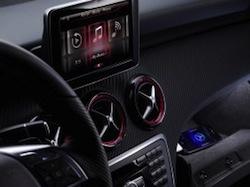 Mercedes SIRI1 Siri dans votre prochaine Mercedes (et bien plus...)