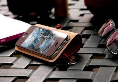 CcrsLeatherArcEvouni 011 Concours : Un étui innovant Leather Arc Cover d'Evouni pour iPhone 4/4S à gagner ! (55€)