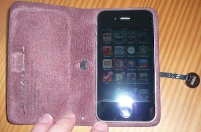 CcrsLeatherArcEvouni 026 Concours : Un étui innovant Leather Arc Cover d'Evouni pour iPhone 4/4S à gagner ! (55€)
