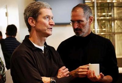 sem15 rumeur Tim Cook Steve Jobs Le salaire de Tim Cook sélève à...