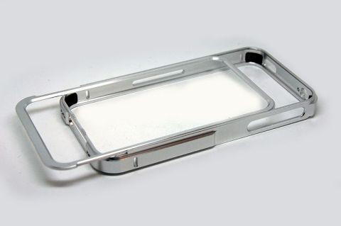 Fixage De nouveaux Bumpers Aluminium pour iPhone 4/4S à découvrir sur App4Shop !