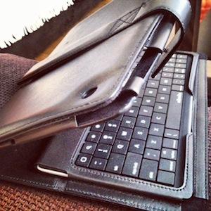 Keyboard iPad3 Test du Keyboard Folio (125€) pour iPad : un clavier physique Bluetooth de luxe