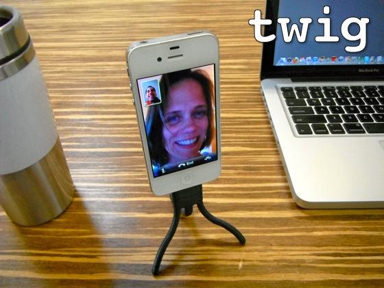 Twig tripod Twig : Un câble de recharge innovant pour votre iPhone !