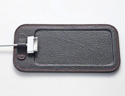 CcrsCalypsoPad 004 Concours : Un CalypsoPad à gagner   Le support en cuir pour votre iPhone (35€)