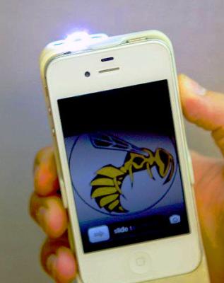 Yellow Jacket fonctionnement Yellow Jacket... Et votre iPhone devient électrisant !