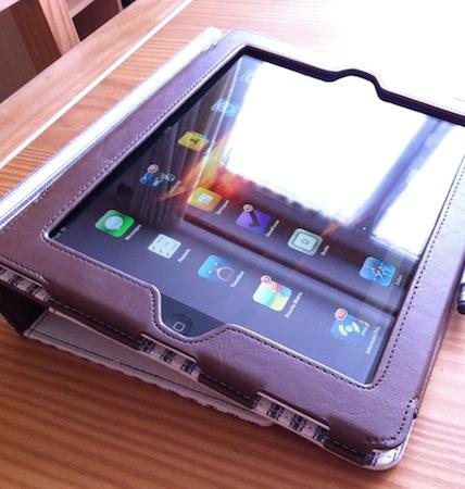 CcrsGriffinElaniPad 007 Concours : 1 étui Elan Folio (50$) pour iPad 2 3 4e génération de Griffin à gagner