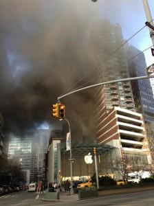 Apple Store NYC Feu 224x300 Apple Store (New York) : tout feu, tout flamme