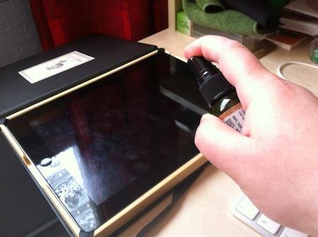 Ccrs AppleJuce 005 Accessoire : Apple Juce (12,99$), un kit pour nettoyer les écrans de nos iDevices