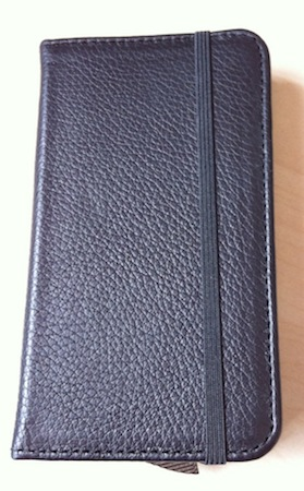 Test LittlePocketBook 002 Test de létui Little Pocket Book (46€) pour iPhone de Pad&Quill
