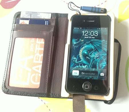 Test LittlePocketBook 012 Test de létui Little Pocket Book (46€) pour iPhone de Pad&Quill
