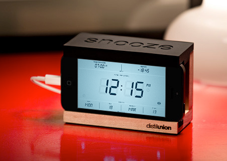 Crs Snooze 006 Concours : 1 dock Snooze (compatible iPhone 4) pour Touch LCD
