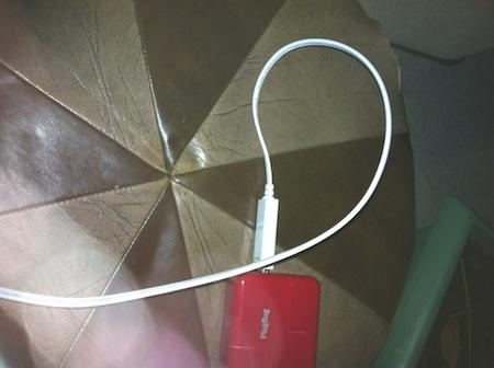 Test DeximUsb 002 Test du Chargeur luminescent iPhone, iPod et iPad   Dexim Visible Blue Cable