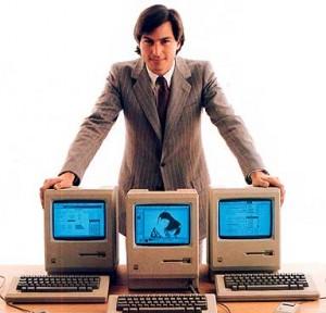 steve jobs 1984 macintosh 300x288 2 produits Apple pour les produits au meilleur design