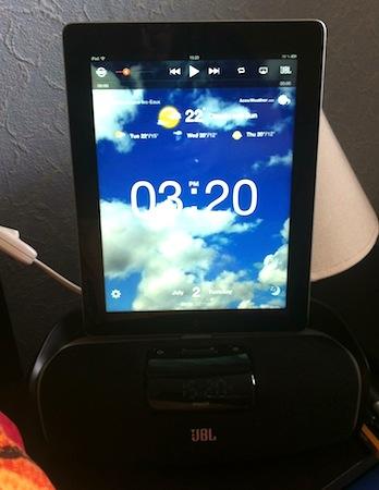 Test aWake 011 Test du aWake (139€) de JBL, un reveil puissant pour iPhone et iPad
