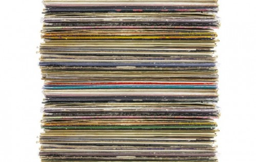 vinyles ipod classic 500x317 Humour : combien de vinyles pourriez vous mettre dans un iPod Classic ?