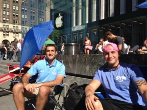 iPhone 5S File attente 300x225 iPhone 5S : la file dattente a démarré à New York