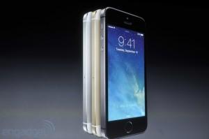 iphone2013 0144 300x199 Keynote : Tout savoir sur liPhone 5S