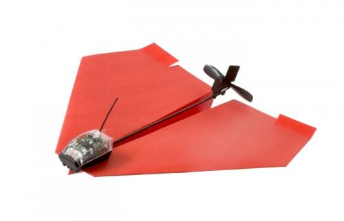Power up avion 1 500x322 Accessoire : Contrôlez un avion en papier en Bluetooth avec votre iPhone ! (30$)