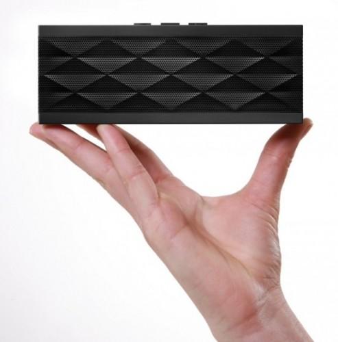jawbone jambox speakers 3 550x557 493x500 CONCOURS : Découvrez le gagnant du Jambox de Jawbone (179€)