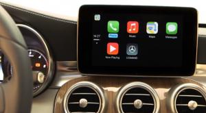 Mercedes CarPlay 300x165 CarPlay : Volkswagen en course ?