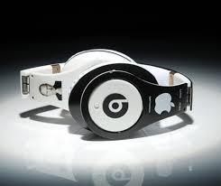 beatsapple Apple Beats : pourquoi le casque Solo 2 Wireless pourrait sortir en mai 2015