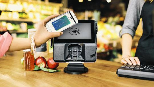 Apple Pay 4 La Pomme se fait VRP du service Apple Pay avec des… autocollants